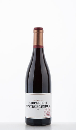 Ahrweiler Spätburgunder 2017 Bertram Baltes 324x554 - Julia Bertram